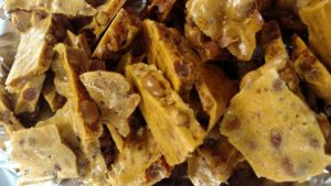 microwave peanut brittle pic